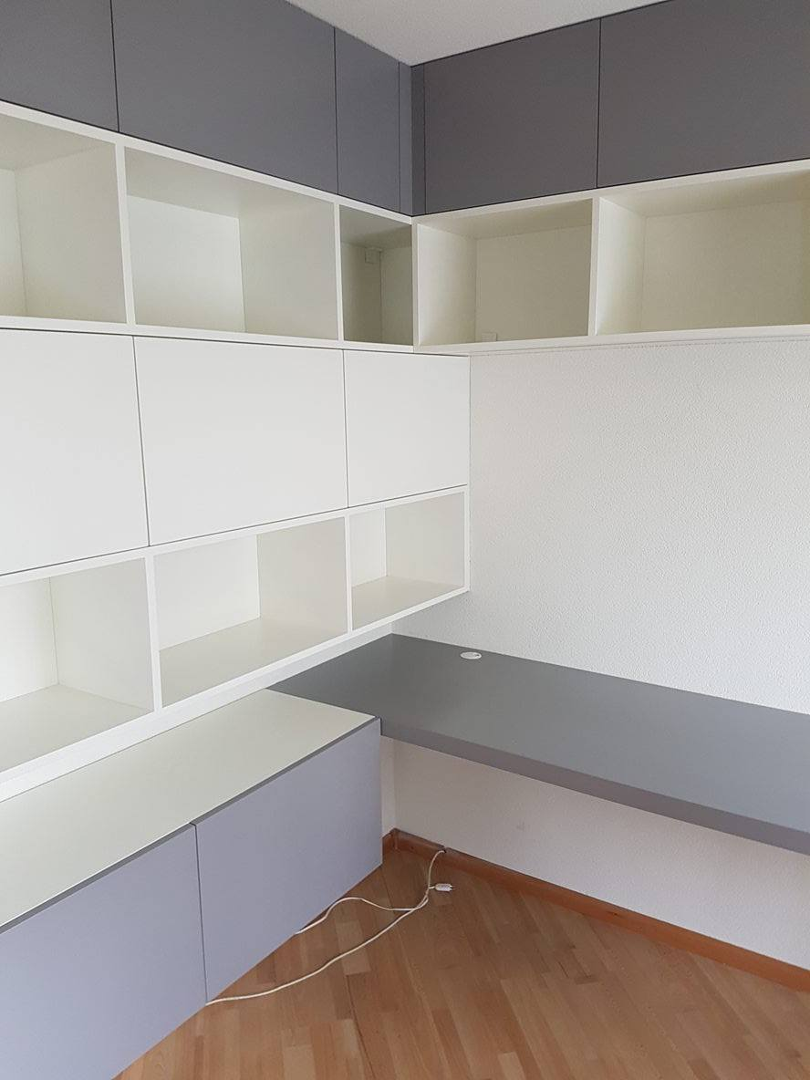 Boekenkast met bureau | Imiho custom made furniture